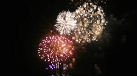 十和田湖湖水まつりの花火(青森県十和田市奥入瀬・7月)