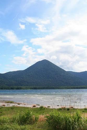 恐山手前の湖