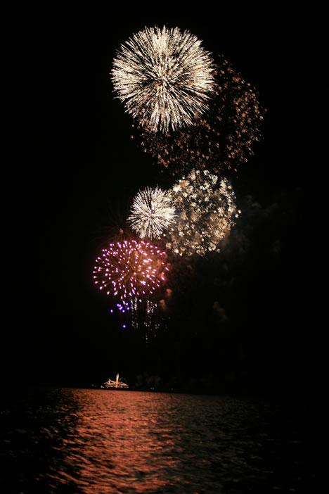 十和田湖湖水まつり: 花火