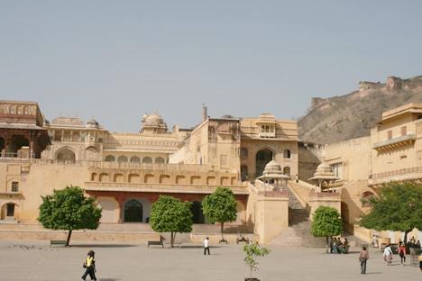 インド・ジャイプル郊外のアンベール城