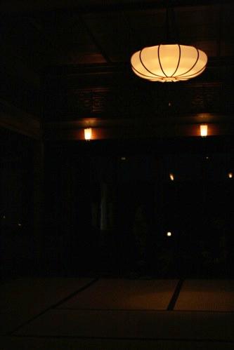 妙心寺東林院の梵燈のあかりに親しむ会、お茶席のようす
