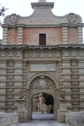 イムディーナの入口、夕方バージョン