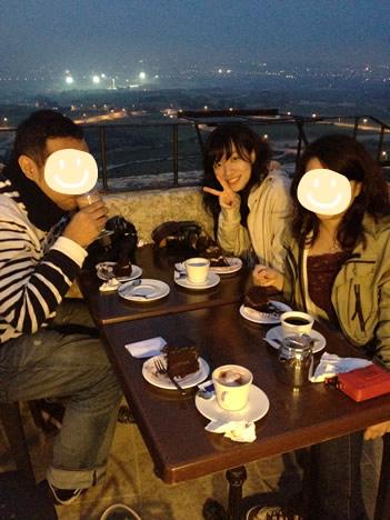 イムディーナの有名カフェ、Fontanella Tea Gardenのテラス席