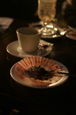 イムディーナの有名カフェ、Fontanella Tea Gardenのケーキを完食したあとのお皿