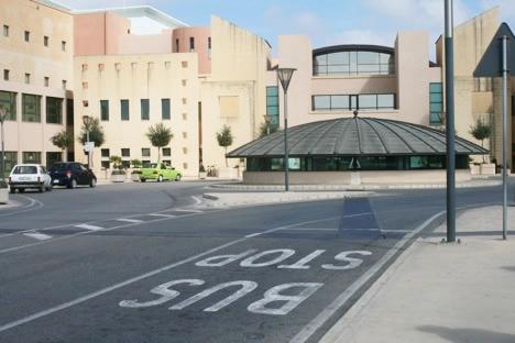 マルタ旅行中たどりついた謎のバス停