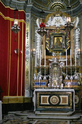 イムディーナ・聖パウロ聖堂にある祭壇