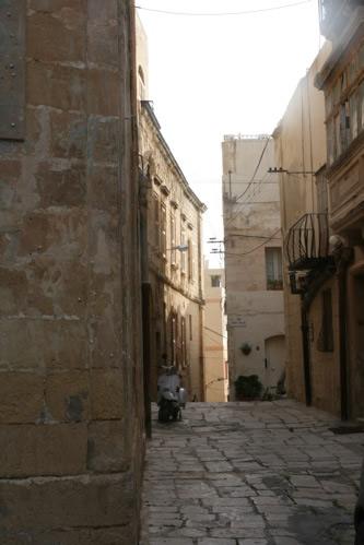 マルタ・セングレアの路地