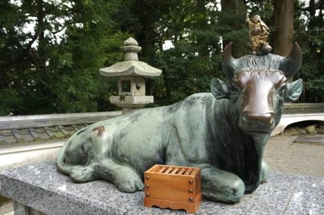 朝熊山金剛證寺にある牛の像