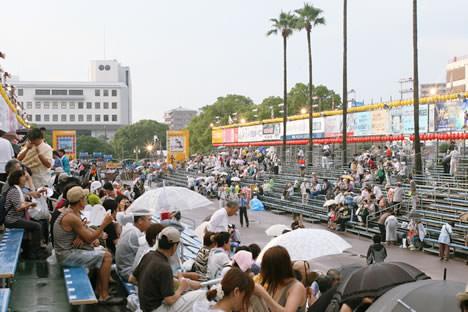 徳島阿波おどり有料演舞場、藍場浜演舞場の様子