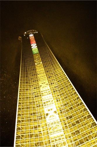 下関海峡ゆめタワーと雪
